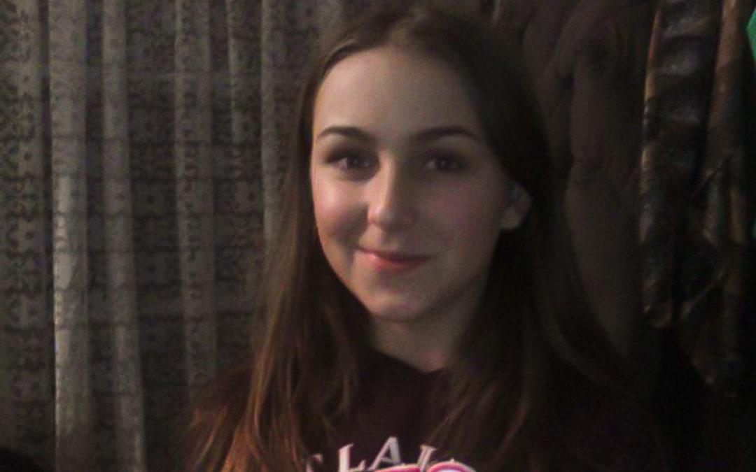Adelina are 16 ani și îi place foarte mult să învețe
