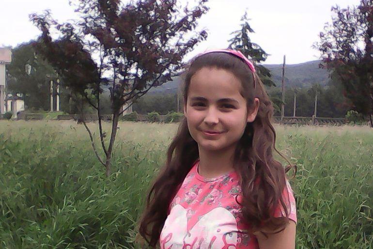 Naomi Armeanu are 11 ani și își dorește foarte mult să învețe să cânte la vioară,