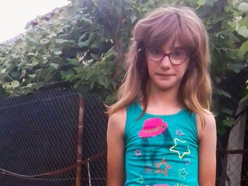 Ana Maria Oroșanu este in clasa a III-a  și are rezultate bune la învățatură